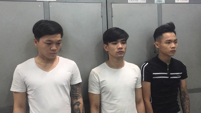 Hai người nước ngoài bị cướp dật tài sản