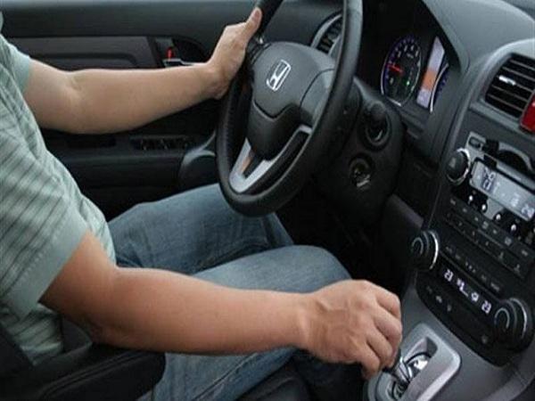 Hướng dẫn cách lái xe số tự động