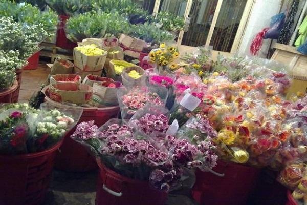 Ẩm thực giữa lòng chợ Hoa Hồ Thị Kỷ