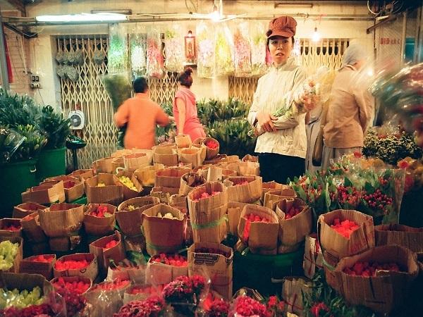 Tìm hiểu về chợ hoa Hồ Thị Kỷ
