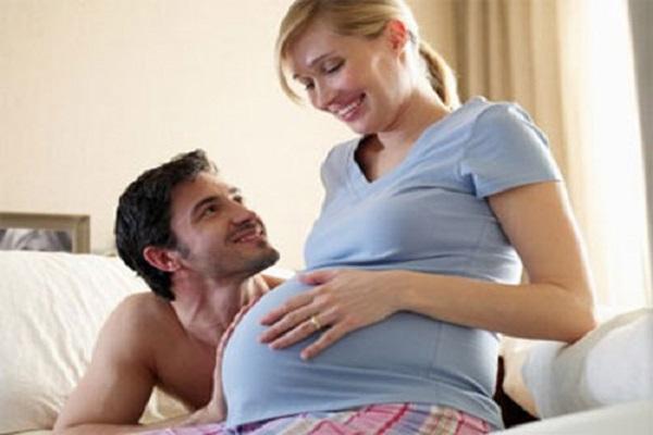 Bà bầu có nên quan hệ khi mang thai không?