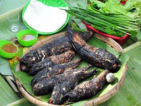 Cá lóc nướng trui - Món ăn dân dã đặc sản ở miền Tây