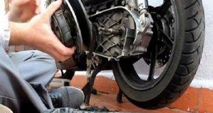 Những chiêu trò 'móc túi' khách của thợ sửa xe nên dè chừng