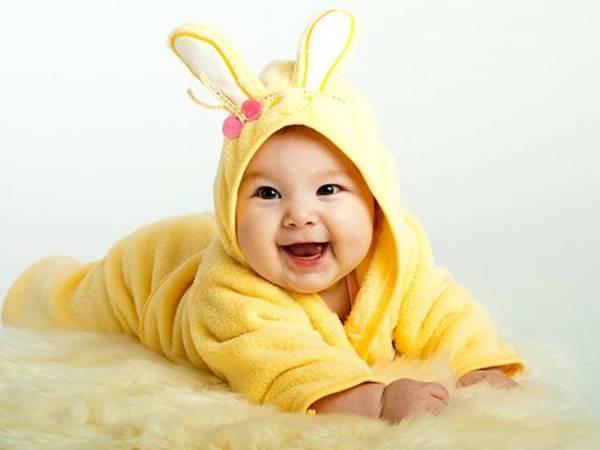 Mơ thấy em bé đánh con gì, là điềm báo dữ hay lành?