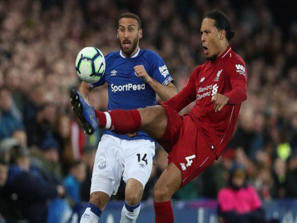 Liverpool vô địch nguy cơ ăn mừng cách 300km