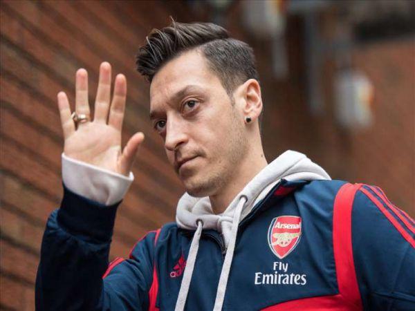 Bóng đá Anh 13/1: Ozil muốn chơi bóng ở Mỹ hoặc Thổ Nhĩ Kỳ