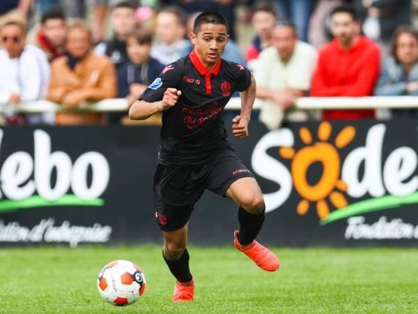 Bóng đá Anh trưa 10/6: Tiền đạo 17 tuổi gốc Việt , lọt tầm ngắm của Arsenal và Bayern