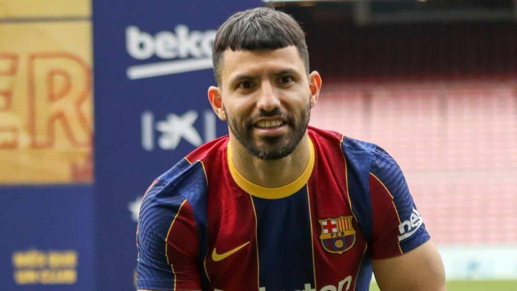 Sergio Aguero: gia nhập Barcelona từ Manchester City theo hợp đồng hai năm